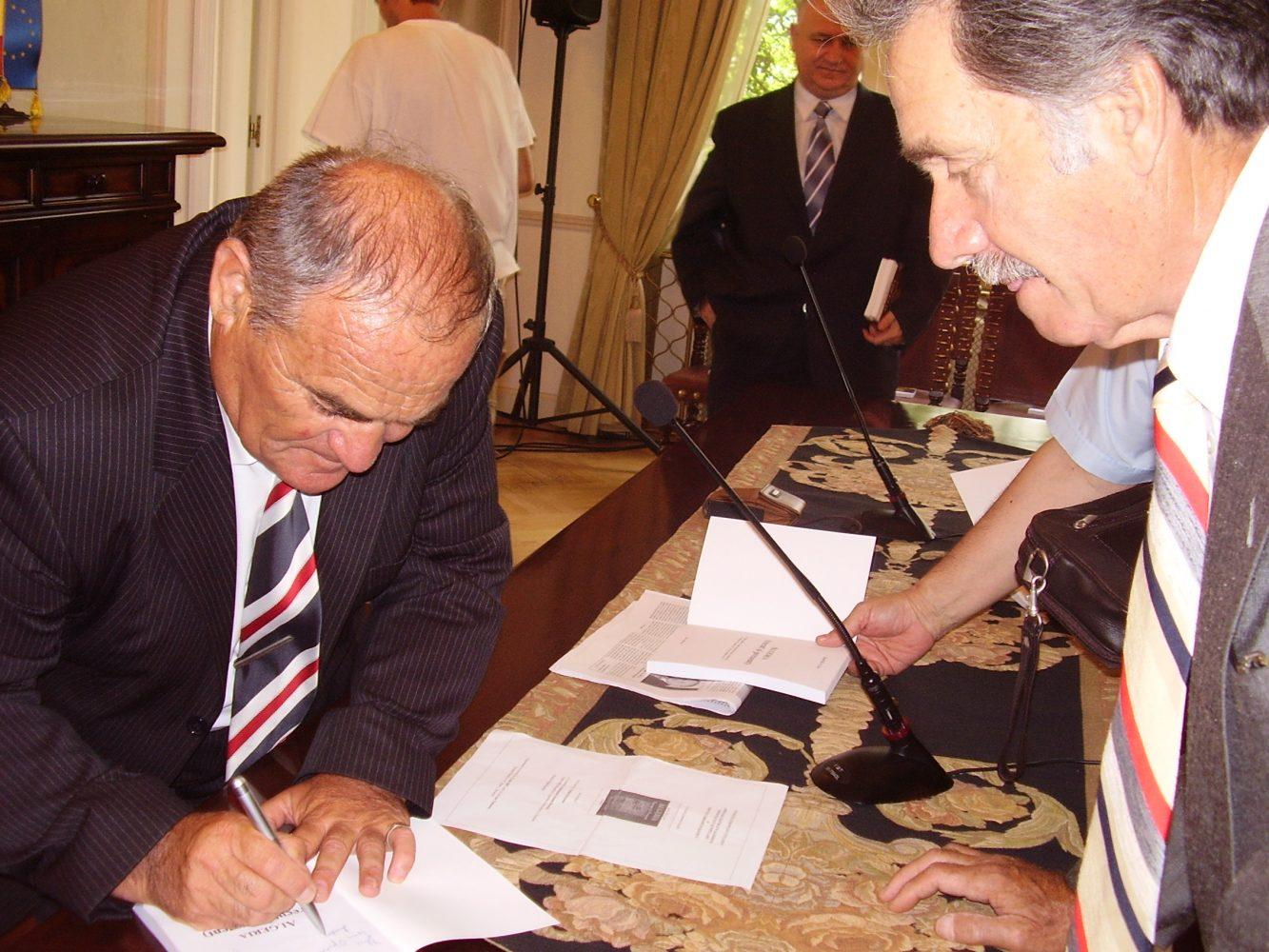 """Lansarea lucrării """"Algeria. Trecut şi prezent"""""""