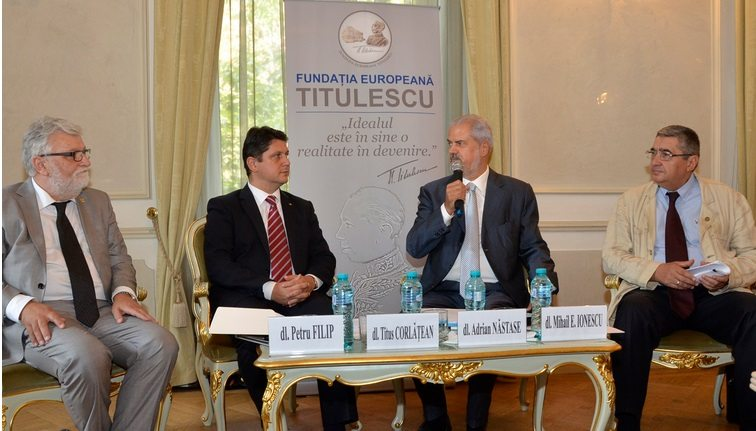"""Ministrul afacerilor externe, dl. Titus Corlăţean, invitat special la dezbaterea """"Summit-ul NATO – rezultate şi perspective"""""""