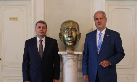 Întâlnire cu ambasadorul Armeniei