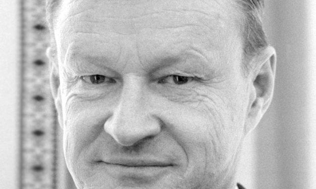 "Tableta de istorie – ""Zbigniew Brzezinski: Reflecții privind intervenția sovietică în Afganistan"""